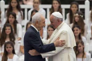 Pope Francis with Israeli President Shimon Peres