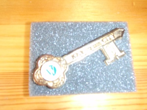 The City Council of West Des Moines, Iowa, gave the delegation from Mateh Asher, Western Galilee the key to the city.  Yep, I now have a key to West Des Moines!